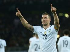 Podolski pudo jugar en Boca. AFP