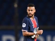 Valbuena cree que Neymar necesita títulos para demostrar. AFP