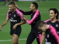 El legendario Papin prefiere a Mbappé antes que a Neymar. AFP