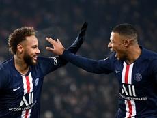 Le PSG préfère prolonger le contrat de Mbappé avant Neymar. AFP