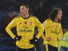 El Arsenal quiere pagar a Özil para que se vaya. AFP