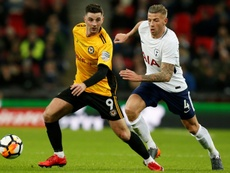 Alderweireld could sign a new contract at Tottenham. AFP