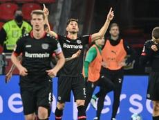 Alario promedia un gol cada 69 minutos. AFP