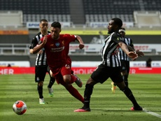 Oxlade-Chamberlain podría salir del Liverpool. AFP