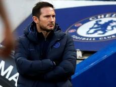 Lampard pensa em como cobrir os desfalques. AFP