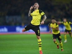 El Borussia ganó al Eintracht con gol de Alcácer. AFP
