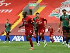 El Liverpool brinda a Anfield la Premier con una nueva victoria. AFP
