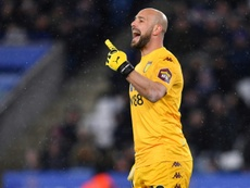 Reina could go to Valencia. AFP