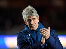 Uma disputa acirrada pelo ex-técnico do West Ham. AFP