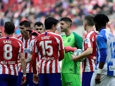 Cuéllar fue expulsado ante el Atlético. AFP