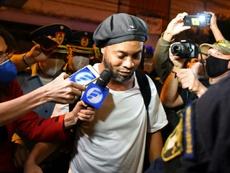 Ronaldinho habría montado fiestas ilegales. AFP