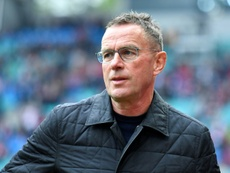 Rangnick le ha pedido tres defensas a la directiva. AFP