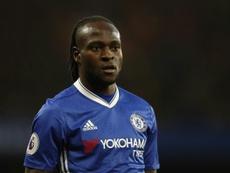 Moses pondrá rumbo al Inter. AFP