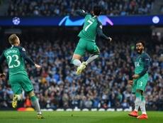 Tottenham chega as semis em uma partida épica. AFP