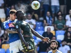 El Nápoles ganó al Brescia de Balotelli. AFP