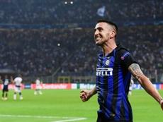 Chelsea y Tottenham se 'pelean' por Vecino. AFP