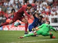 Adrián apuesta por Van Dijk para el Balón de Oro. AFP