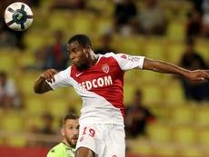 Sidibé continuará cedido en el Everton hasta final de temporada. AFP