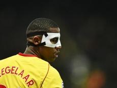 Zeegelaar sigue los pasos de Okaka y se va al Udinese. AFP/Archivo