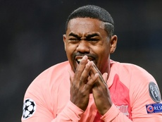 Malcom se emocionó tras su golazo. AFP