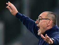 Sarri podría salir si la Juventus no remonta ante el Lyon. AFP