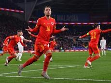 'Drive' de Bale y 'putt' de Ramsey, golpes de Eurocopa. AFP