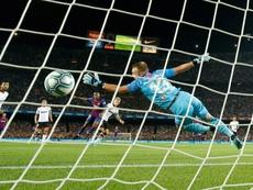 Cillessen veut devenir le nouveau Diego Alves. AFP