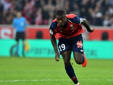 Manchester United fait un pas de plus vers Pépé. AFP