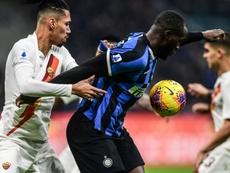 La Roma se despide de Smalling y Zappacosta. AFP