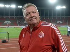 John Toshack acaba de ser cesado como entrenador del Teraktor Sazi. AFP/Archivo