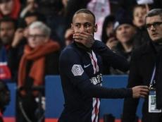 Neymar dio la roja en el añadido. AFP