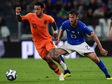 Itália e Holanda empataram a uma bola. AFP