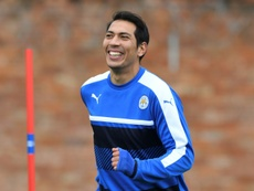 Argentinian striker Ulloa extends his contract with Leicester. AFP