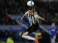 El padre de Almirón negó un acuerdo con el Atleti. AFP