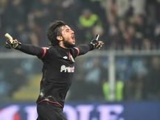 Perin sostiene al Genoa en Verona. AFP