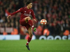 Alexander-Arnold destaca en el carril derecho del Liverpool. AFP