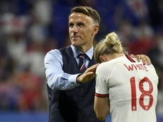 Phil Neville dejará la Selección Inglesa el próximo verano. AFP/Archivo