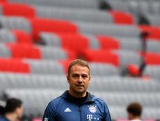 El técnico ve al joven con recorrido en el Bayern. AFP