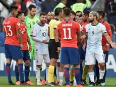 La CONMEBOL sancionó a Messi... y así de 'preocupado' reaccionó. AFP