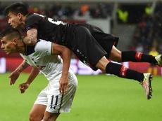 Charles Aránguiz no forzará su salida del Bayer Leverkusen. AFP