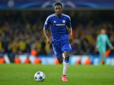 Três grandes querem tirar Baba Rahman do Chelsea. AFP