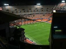 El fútbol será a puerta cerrada en España hasta nueva orden. AFP