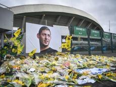 Des supporters du FC Nantes devant un poster géant d'Emiliano Sala lors du match contre Saint-Etienne, le 30 janvier 2019 au stade de la Beaujoire à Nantes