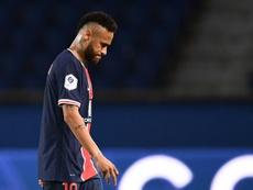 Neymar no tiene noticias sobre su posible renovación de momento. AFP