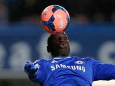 Demba Ba recordó cómo José Mourinho frustró su marcha al Arsenal. AFP