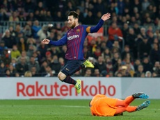 Al Barcelona le costó, pero se llevó tres puntos de oro a pesar de Masip. AFP