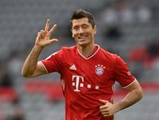 Robert Lewandowski marcou três gols contra o Eintracht pela Bundesliga 2020-21. AFP