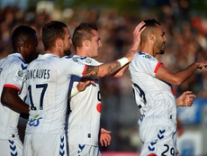 Les joueurs du Racing de Strasbourg fêtent le but de Khalid Boutaib (d) à Niort, le 12 mai 2017. AFP
