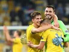 Boyko, Bushchan y Mykolenko, positivos en COVID-19 antes de jugar ante el Barça. AFP