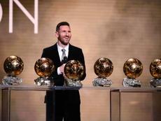 823 milhões de pessoas viram Messi receber a Bola de Ouro. AFP